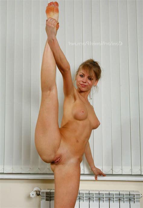 Contortionist women Nude tubezzz porn photos
