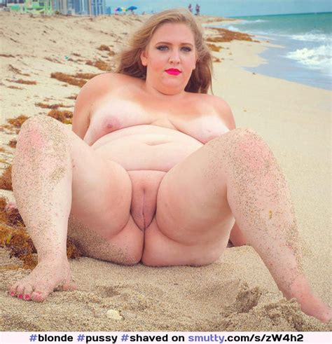 Blonde Pussy Shaved Naked Outdoors Fat Obese Spreadinglegs Showingpussy Lickablepussy