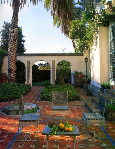 style courtyards courtyard colonial style homes