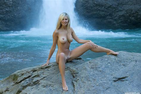 Porn Adult Image Gallery Corinna Femjoy