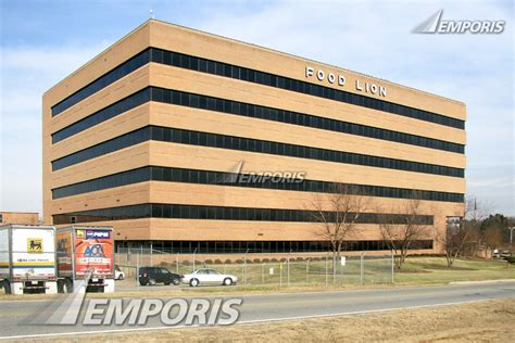 comcast corporate office phone number looking from executive drive