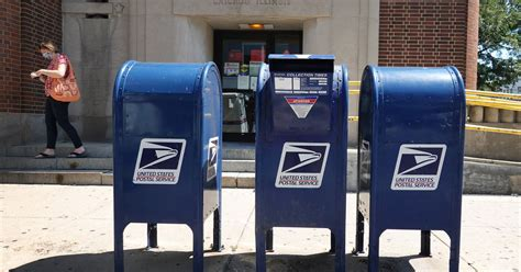 Postmaster general under fire over Amazon stock holdings ...