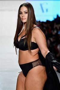 Plus-size model Ashley Graham keeps it real at NYFW - San