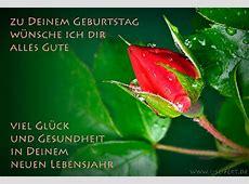 Glückwuschkarte mit einer roten Rosenknospe Herzlichen