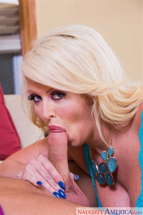 Hot Woman Is Fucking Her Ex Lover Photos Alura Jenson