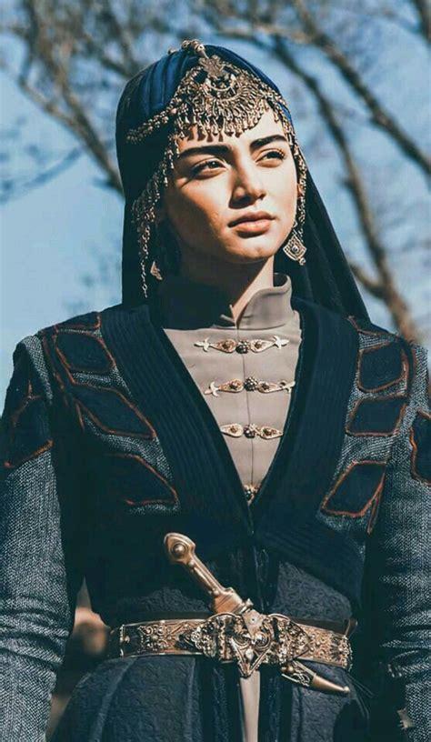 Ekranların sevilen dizisi kuruluş osman bu akşam 16. Pin by Ammara on ozge torer ( bala hatun) in 2020   Turkish beauty, Beautiful men faces ...