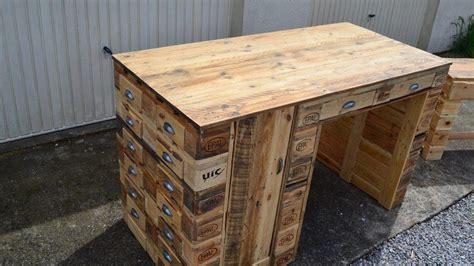 fabriquer bureau en palette fabriquer ses meubles en bois de palette best of meuble
