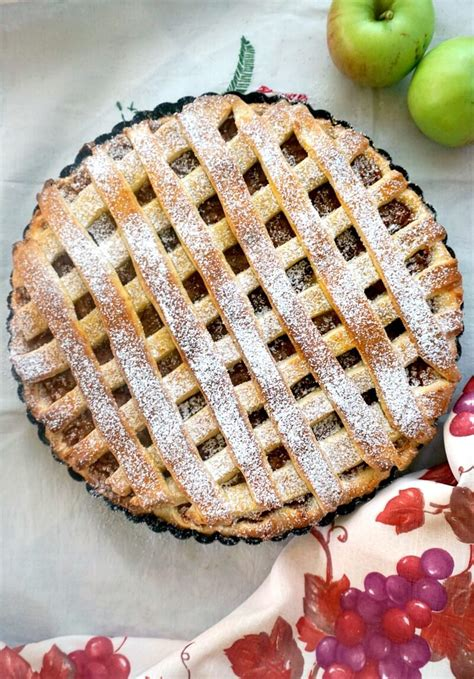 If you have time and want to check out the recipe, here's the link: Easy Apple Pie Recipe from Scratch - My Gorgeous Recipes