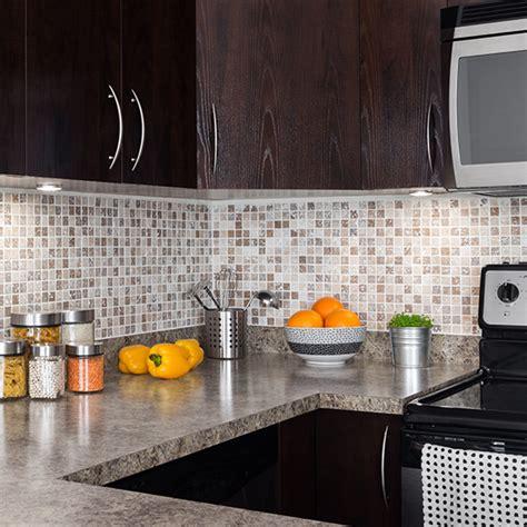 come pulire le piastrelle della cucina come pulire bene le fughe e le piastrelle della cucina
