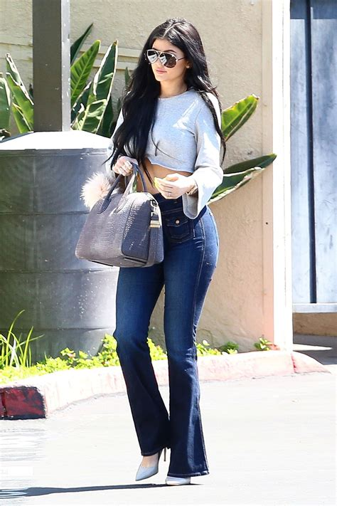 These Are the Jeans Kylie Jenner Canu0026#39;t Stop Wearing | Teen Vogue