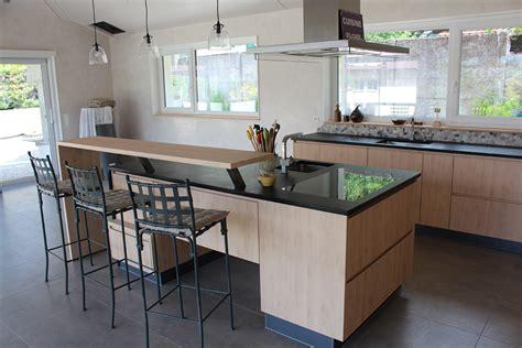 cuisine avec bar modele cuisine avec ilot bar maison design bahbe com