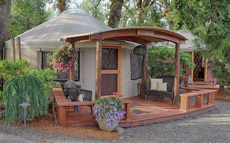 whats  yurt decorating style pacific yurts