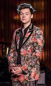 Harry Stylesu2019 Floral Suit From His BBC Show Is From The Gucci Cruise 2018 Collection ...