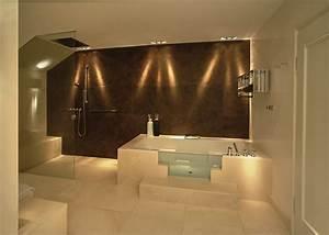 Bad Deckenbeleuchtung Led : elektroinstallation planen ratgeber tips f rs badezimmer ~ Markanthonyermac.com Haus und Dekorationen