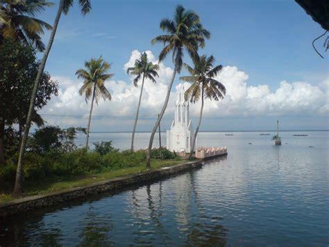 backwaters hill station  kerala life joy travel