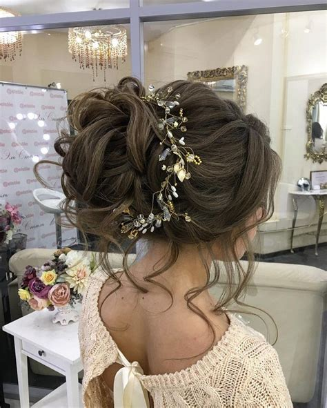 Messy Bridal Hair Updo With Hair Accessoriesloose Messy