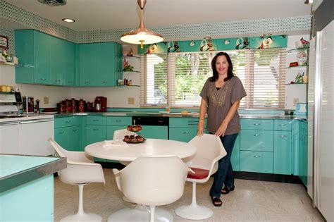 restoring  retro house   york times