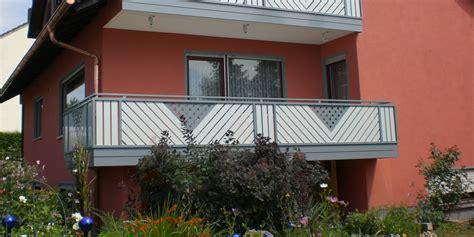 balkonbau und balkongelaender aus kunststoff aluminium