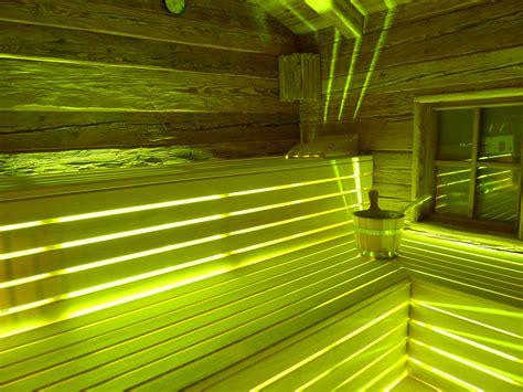 sauna led beleuchtung sauna beleuchtung paulus exklusiver saunabau in rustikaler bergh 252 tten optik blockhaus sauna