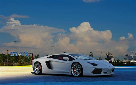 Beautiful Lamborghini Aventador Wallpaper