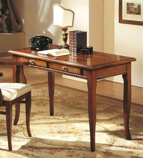 scrivanie classiche in legno scrivania legno massiccio classica