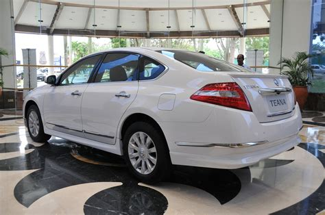 Review Nissan Teana by Nissan Teana India Review
