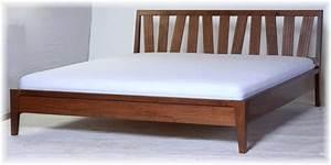 Modernes Bett 180x200 : bett doppelbett 180x200 nussbaum modernes design massiv ~ Watch28wear.com Haus und Dekorationen
