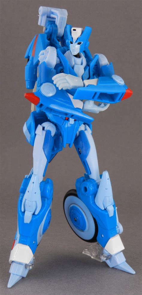 Read chromia from the story transformers prime : TFW's Generations Chromia In-Hand Gallery - Transformers ...