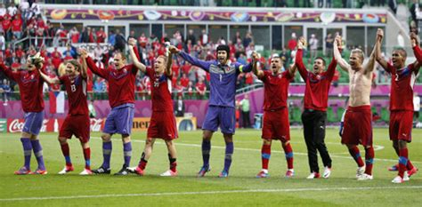 Euro 2012: Greece 1-2 Czech Republic – Wolfmen Wingers ...