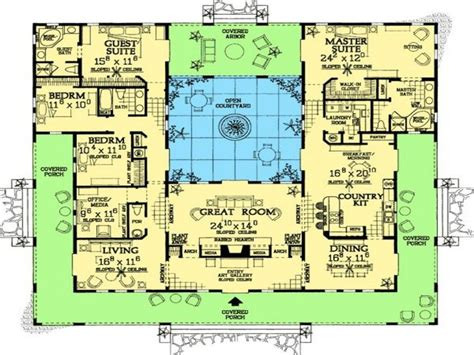 floor plan  shaped house plans  pool   middle courtyard courtyard buildings house