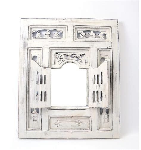 miroir fenetre oriental bois blanc avec volets moucharabieh ethnique