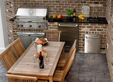 Small Outdoor Kitchen  Outdoor Kitchen Ideas  10 Designs