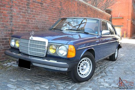 Car fax shows this vehicle to be dealer maintained and appears to have had two prior owners. 1985 Mercedes Benz 300D Turbo Diesel - Local 1 owner w 53k original miles W123