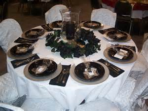 black and white table centerpiece decorations