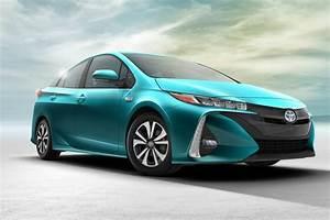 Prime Voiture Hybride 2017 : toyota canada toyota prius prime 2017 la voiture hybride la plus vendue au monde adopte un ~ Maxctalentgroup.com Avis de Voitures
