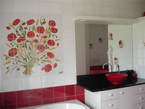 superbe faience cuisine et blanc 3 20 x 20 rouges festival en soubassement de mur20 x20