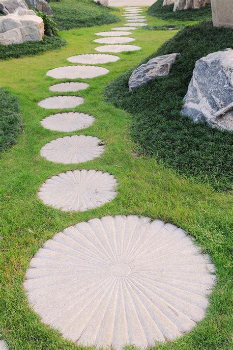 creative pathway walkway ideas   garden designs hative