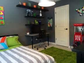 Teenage Boy Rooms Orange and Blue