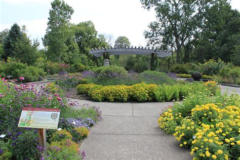 the botanical gardens matthaei botanical gardens