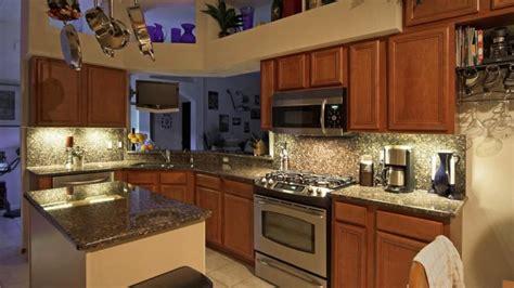 leds  good option  kitchen cabinet lighting