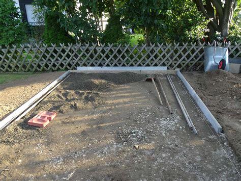 gartenhaus fundament bauen bodenplatte f 252 r gartenhaus das haus und garten team