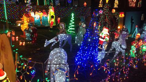 At the moment, edmonton has 27 homes for sale, including 2,499 houses, 1,736 condos, and 1,210 townhouses listed for sale. Candy Cane Lane Kelowna Bc : Candy cane lane kelowna, адрес — 575 gramiak rd, келоуна, bc v1x ...