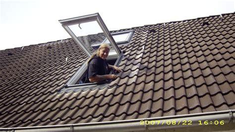 Schwingfenster In Schwarz by Dachfenster Gelb Schwarz Bedachungen