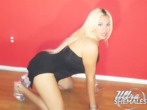 Voluptuous Blond Trans Girl Nirvana From California Getting Nude Free Shemale Porn