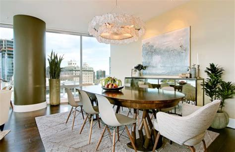 Dining Rooms That Mix Classic And Ultra-Modern Decor : 7 Cozy And Charismatic Mid-century Modern Chairs