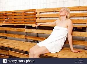 Frauen In Sauna : sauna stockfotos sauna bilder alamy ~ Whattoseeinmadrid.com Haus und Dekorationen