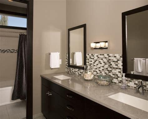 glass tile backsplash pictures bathroom 27 pictures of bathroom glass tile accent ideas