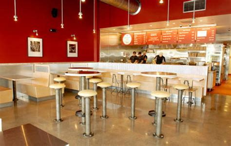 snapshots reviewing chipotle mexican grill table hopping