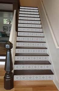Treppen Streichen Ideen : die besten 25 gestrichene treppen ideen auf pinterest treppe streichen gestrichene stufen ~ Markanthonyermac.com Haus und Dekorationen