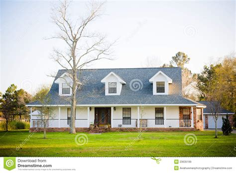 white ranch style american home royalty stock images image